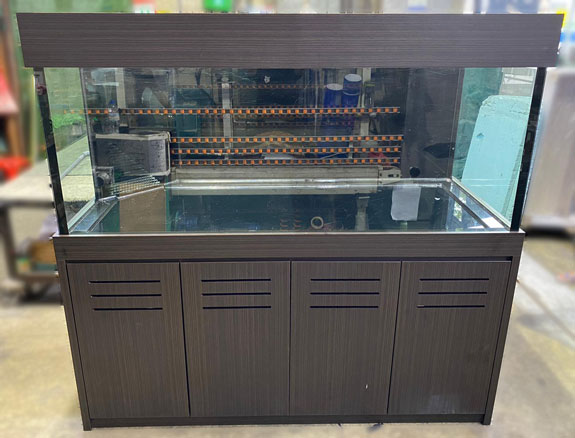 second hand fish tank - 6 feet aquarium with cabinet, full Euro-bracing top and bottom, overflow sump