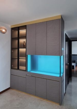 FH-010: Full Height N30 Tank. This gorgeous aquarium is wrapped in wooden cabinet extending from floor to ceiling. The cabinet at the left with see-through glass doors includes lighting and provides space for displaying the owner's collectibles.