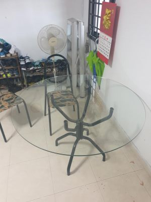 Round Tempered (Safety) Glass Table Top. Fine quality glass without air bubbles.