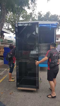 1 N30 transports a 7ft X 2.5ft x 2.5ft aquarium tank